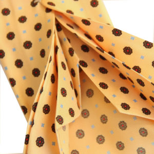 7-fold tie yellow with motif