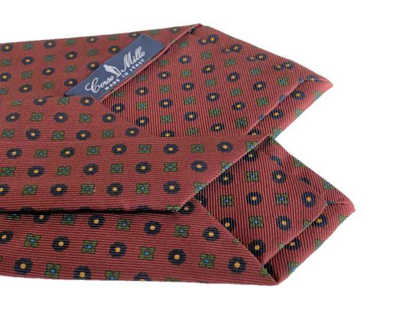 3-fold burgundy with motif tie